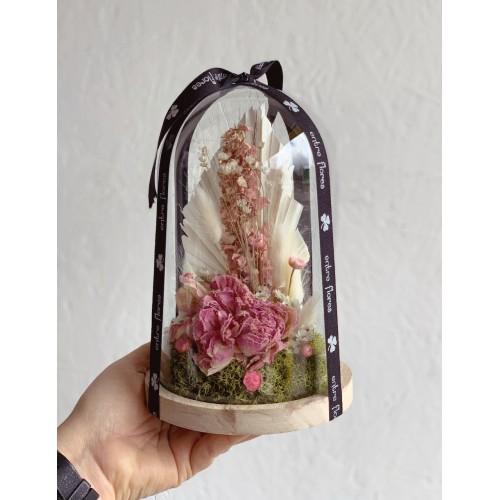 Cúpula con flor preservada...