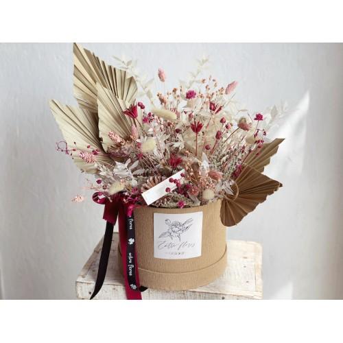 Sombrerera de flor preservada