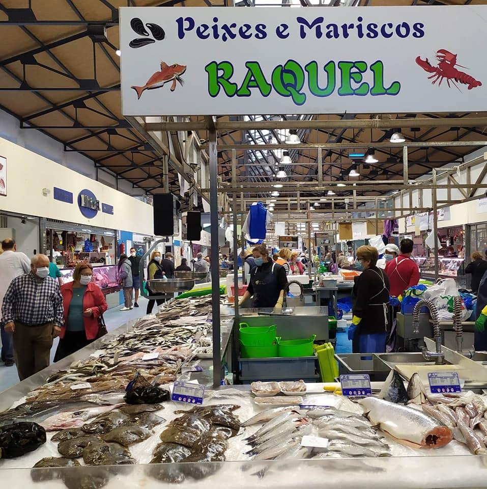 Logotipo Peixes e Mariscos Raquel